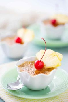 Brown sugar and pineapple go beautifully together, and the flavors really come through in this creme brulee. Simple to make, and that crunchy caramelized sugar topping contrasts with the smooth, creamy custard in the most incredible way! Gluten Free Desserts, Fun Desserts, Delicious Desserts, Yummy Food, Fruit Dessert, Dessert Ideas, Pikelet Recipe, Pineapple Recipes, Best Dessert Recipes