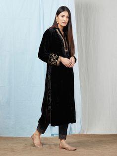 Buy Black Velvet Silk Zardozi Embroidered Kurta with Rayon Pants - Set of 2 onli. Velvet Kurtis Design, Velvet Suit Design, Black Velvet Suit, Velvet Dress Designs, Indian Party Wear, Indian Wear, Beautiful Pakistani Dresses, Black Color Combination, Indian Designer Suits