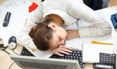 Learning how to beat fatigue begins with an understanding of the causes. Common causes of fatigue include stress, chronic illness and a sedentary lifestyle. Fatigue Surrénale, Fatigue Causes, Chronic Fatigue Syndrome, Fadiga Adrenal, Adrenal Health, Women's Health, Health Care, Chronischer Stress, Chronic Stress