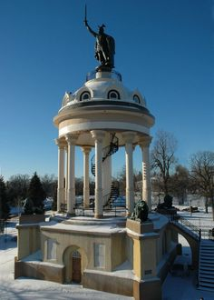 New Ulm, Minnesota - Hermann Heights Monument Herman The German, New Ulm, Veterans Memorial, Summer Photography, Water Tower, Minnesota, Places To Travel, Places Ive Been, The Good Place
