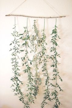 create a simple floral backdrop to transform your wedding wedding backdrop Floral Backdrop, Diy Backdrop, Floral Garland, Vintage Backdrop, Backdrop Design, Backdrop Decorations, Ceremony Backdrop, Deco Floral, Floral Wall