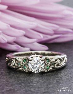 Diamond and Emerald Trinity Knot Ring - domina-jewelry. Celtic Rings, Celtic Wedding Rings, Claddagh Wedding Ring, Claddagh Engagement Ring, Emerald Wedding Rings, Celtic Knot Ring, Irish Rings, Viking Wedding, Blue Wedding