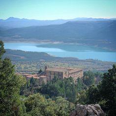 El Monasterio de Leire, lugar lleno de arte e historia en un paisaje singular. (By @lacosmopolilla - #Instagram)