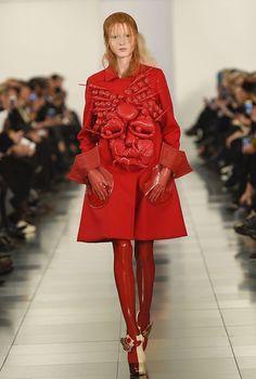 Maison Margiela Artisanal Couture Spring 2015 by designer John Galliano. Couture 2015, Spring Couture, John Galliano, Style Couture, Couture Fashion, New York Fashion, Paris Fashion, Conceptual Fashion, Glamour Photography