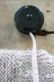carinahjemmet: Skappelgenser til Josefine Baby Slippers, Baby Knitting Patterns, Diy Crafts, Barn, Infinity, Recipes, Dots, Patterns, Tricot