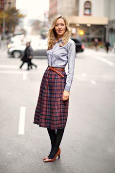The Classy Cubicle: Plaits, Pleats, and Plaid Girls Summer Outfits, Modest Outfits, Classy Outfits, Skirt Outfits, Pretty Outfits, Nyc Fashion, Work Fashion, Modest Fashion, Office Fashion