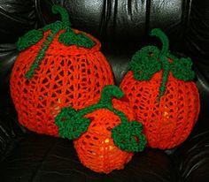 Ravelry: Lacy Pumpkin Loom-inaries pattern by Brenda Myers Crochet Pumpkin, Crochet Fall, Halloween Crochet, Diy Crochet, Crochet Crafts, Loom Knitting Projects, Loom Knitting Patterns, Knitting Designs, Crochet Patterns