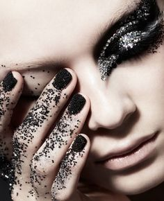Chunky glitter // Pinned by andathousandwords.com