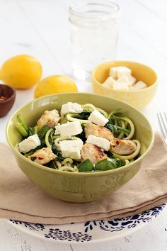 Zucchini Pasta with Chicken. Zucchini Noodles with Chicken Feta and Spinach - easy meal for lunch or dinner! Gluten-free and flavorful! Veggetti Recipes, Spiralizer Recipes, Veggie Recipes, Paleo Recipes, Cooking Recipes, Chicken Recipes, Noodle Recipes, Veggie Dishes, Zucchini Noodles