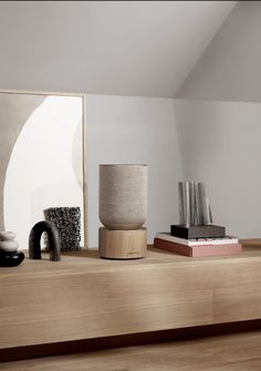The simplicity of the Beosound Balance design is rooted in Scandinavian minimalism, contrasting strongly with its raw, high-performing but beautifully balanced sound. Find out more about our new wireless, smart home speaker.