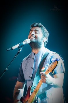 Get Arijit Singh. Dj Music, Music Icon, Music Is Life, Good Music, Best Music Artists, Country Music Artists, My Love Song, Song Hindi, Music Backgrounds