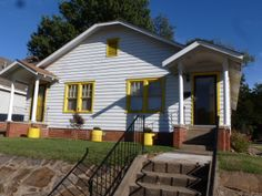 700 & 702 N. 17th Fort Smith- $74,900 Click here to take a virtual tour: http://instatour.propertypanorama.com/instaview/fts/695478 Call Ramona Roberts or visit our website www.ramonaroberts.com for more information, photos, and directions.