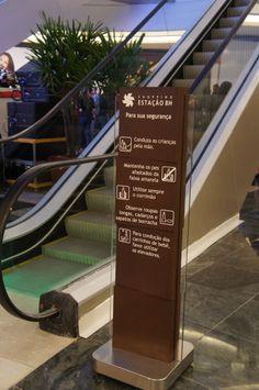 Wayfinding - Totem sign - Estação BH - Belo Horizonte (MG) - Brazil # Brazilian design