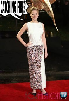 #JenniferLawrence AWES In #DIOR On The #RedCarpet @ #CatchingFire #Premiere !!!