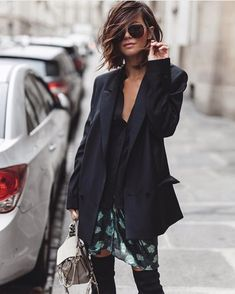 Discover the details that make the difference of the best unique people with a lot of Look Fashion, Fashion Beauty, Autumn Fashion, Mode Outfits, Fashion Outfits, Woman Outfits, Black Haircut Styles, Mode Boho, Cooler Look