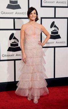 Divas da música levam personalidade aos looks do 56º Grammy