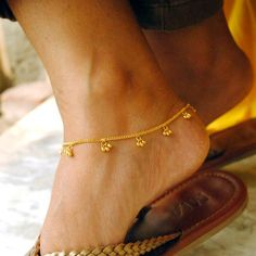 Gold Anklet/Bracelet with Bells. Dainty Gold Bracelet Gold Anklet/Bracelet with Bells. Bell Ankle Gold Anklet/Bracelet with Bells. Anklet Bracelet, Anklet Jewelry, Boho Jewelry, Silver Jewelry, Gold Jewellery, Fine Jewelry, Jewelry Bracelets, Diamond Bracelets, Bridal Jewelry