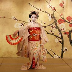 """https://flic.kr/p/bRPrfi   Trad Japan   This is one scene of Odori performance (traditional dance in Kyoto) by Maiko Fukunae who come from Miyagawa-cho town, Kyoto. She just became Maiko in Jan, 2012, and she already has great talent to do performance even though she is a beginner.  Located : The special stage """"KYOTO FAN"""" in KYOTO DESIGN HOUSE, Nakagyo district, Kyoto, Japan.   Date : Apr 28, 2012."""