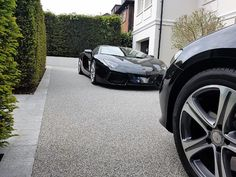 SureSet are the expert permeable driveway paving specialists in the UK. We offer a range of resin bound driveways services so get your free quote today!