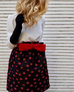 """64 Me gusta, 5 comentarios - Tacatuca Zgz (@tacatucazaragoza) en Instagram: """"Hola!!! Empezamos a recibir la nueva colección Estela Garro Prêt à Porter 2018 en #tacatuca. Una…"""" Petite Clothes, Petite Outfits, Evening Gowns, Special Occasion, Midi Skirt, Events, Night, Instagram Posts, Floral"""
