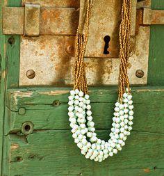 Sunday Frill Necklace