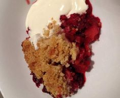 Recipe Apple & Berry Crumble for 4 by suziesergeant - Recipe of category Desserts & sweets