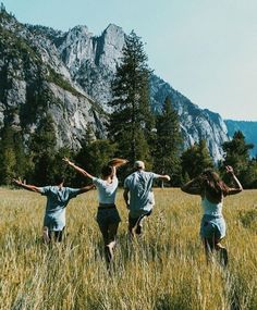 Camping tips and hacks for your travel Best Friend Goals, Best Friends, Photographie Portrait Inspiration, Summer Goals, Summer Dream, Summer Fun, Summer Aesthetic, Teenage Dream, Friend Pictures
