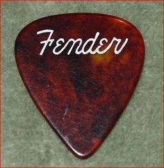 Vintage guitar pick #Fender Fender Telecaster, Epiphone, Cool Guitar Picks, Guitar Tattoo, Kiesel, Guitar Parts, Pedalboard, Vintage Guitars, Musicians