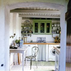 Wow. This kitchen belongs in the French Countryside... This is the stuff of dreams!