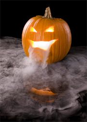 How to use dry ice for spooky Halloween decorations. Carve your favorite scary face into a pumpkin, place a cup of hot water inside and add dry ice to the cup. Fog will drift out of the face for a dramatic effect. WBOC-TV Delmarva's News Leader, Halloween 2018, Science Halloween, Dry Ice Halloween, Halloween Punch, Fete Halloween, Halloween Jack, Halloween Pumpkins, Halloween Crafts, Halloween Decorations