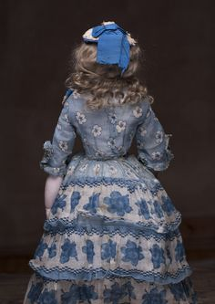 "14"" (43 cm) Rare Wonderful French Early Adelaide Huret doll, c.1855. Antique dolls at Respectfulbear.com"