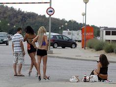 Comment Perpignan alimente en prostituées les bordels espagnols Spain, Abs, Running, The Originals, Androgyny, Spanish, Racing, Abdominal Muscles, Keep Running