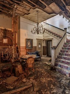 Inside an Abandoned Downtown Funeral Home   Metro Jacksonville