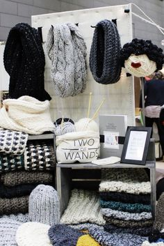 Craft Show Table, Craft Show Booths, Craft Booth Displays, Hat Display, Craft Show Ideas, Craft Show Booth Display Ideas Layout, Vendor Displays, Vendor Booth, Display Design