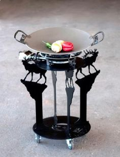 The Climbing Elk DISC-IT Design. The DISC-IT Grill, also affectionately referred to as a discada, disco or cowboy wok is used to cook virtually anything you can imagine. The DISC-IT Grill is a PATENTED product manufactured in Albuquerque, NM. Visit us at www.disc-it.com