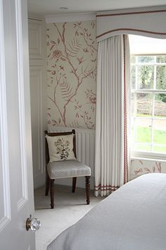 Sweet country bedroom with contrast detail on the ivory curtains and pelmet Blinds And Curtains Living Room, House Blinds, Drapes Curtains, Drapery, Pelmet Designs, Curtain Designs, Curtain Pelmet, Curtain Styles, Interior Windows
