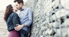 Kent+–+Pre-wedding+shoot+–+Engagement+Shoot+–+Portrait+Session+–+Whitstable++-+Rock+Wall (1000×540)