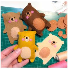 Felt teddy bear, pocket toy, mini best friend, woodland birthday party favors, forest animals, felt ornament, stuffed bear, small gift #felt #toys #animals #teddy #bears #felttoysanimalsteddybears This listing is for one cute, lightly padded, pure wool felt teddy bear - pocket toy. Many colors available. please see second pic. Materials: ♥ 100% wool felt. ♥ Polyester padding for soft but flat finished look, so teddy can nicely fit in any pocket ;) ♥ Bear measures approx. 3'' x 4''/ 7 x 10 cm… Felt Crafts Diy, Felt Diy, Cute Crafts, Fabric Crafts, Simple Crafts, Fall Crafts, Sewing Toys, Sewing Crafts, Sewing Projects