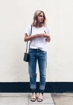 Pinner wrote: camiseta branca com calça jeans e sandália
