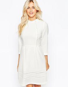 Robe de mariée, mariage civil, manches trois-quarts, boutons, style victorien - Oasis - Asos Wedding dress ideas, tsniout