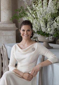 Princess Victoria Of Sweden, Princess Estelle, Crown Princess Victoria, Princesa Victoria, Princesa Diana, Madeleine Of Sweden, Happy Birthday Crown, Victoria Fashion, 10th Wedding Anniversary