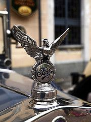 Hood ornament (stegdino) Tags: car vintage automobile shiny eagle fiat ornament hood aquila gamewinner flickrchallengegroup thechallengefactory pregamewinner pregamesweepwinner ispysweepwinner msh101418 msh1014