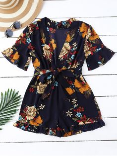 Bell Sleeve Floral Plunging Neck Romper - Purplish Blue M Vestidos Sport, Mode Lookbook, Jumpsuit With Sleeves, Playsuit Romper, Cute Rompers, Floral Romper, Floral Jumpsuit, Mode Style, Jumpsuits For Women