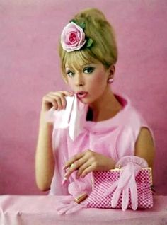 Pattie Boyd looking so wonderfully pretty in pink