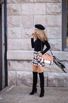 What's better than a Parisian Chic outfit? I'm loving this beret paired with a bodysuit and plaid mini skirt. It's the perfect French style look with the beret. Can't forget the over the knee boots! Makes this outfit work for fall too. Casual Chic Outfits, Simple Fall Outfits, Trendy Outfits, Grunge Outfits, Outfits Dress, Paris Outfits, Crop Top Outfits, Fashion Dresses, Dance Outfits
