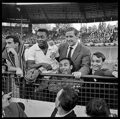 Paris 1960. Pelé and Raymond Kopa in the Parc des Princes stadium.