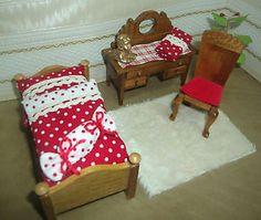 Puppenstube Möbel Schlafzimmer Bett Frisierkomode Stuhl Topfpflanze Bettwäsche | eBay