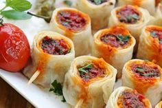 The delicious flavor you can& give up after trying . Turkish Recipes, Ethnic Recipes, Pizza Pastry, Iftar, World Recipes, Meatball Recipes, Bon Appetit, Dessert Recipes, Food And Drink