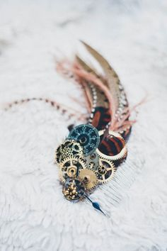 Safari Steampunk Anyone? Steampunk is a rapidly growing subculture of science fiction and fashion. Diy Steampunk, Steampunk Accessoires, Steampunk Design, Victorian Steampunk, Steampunk Fashion, Gothic Fashion, Emo Fashion, Steampunk Necklace, Steampunk Clothing