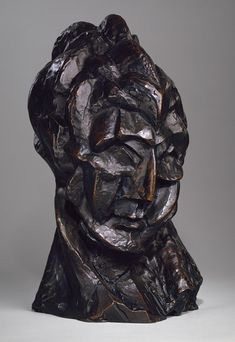 Pablo Picasso / Head of a Woman / 1909 / bronze / The Metropolitan Museum of Art